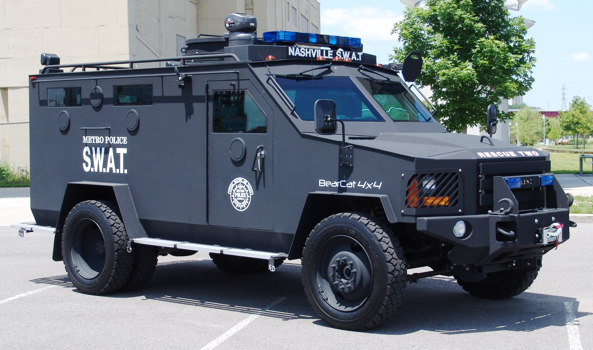 Homeland Security Detroit Police Use Apc For Forcible