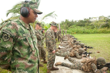 U.S. and Colombia Marines training in Colombia. (U.S. Army photo by Spc. Juancarlos Paz)