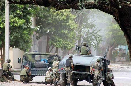 Mexican military forces in Michoacan state in 2007 (Photo by Diego Fernandez via Wikipedia)