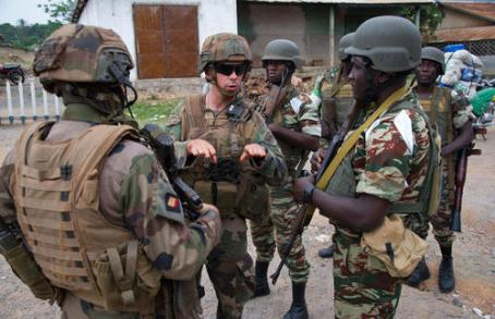 Troops from France and Cameroon on patrol in the Central African Republic, (Photo by EMA; Copyright: Ministère de la Défense)