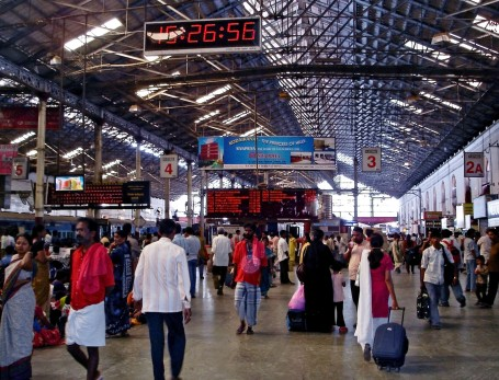 Chennai Central railway station in 2007 (Photo by PLanemad via Wikipedia)