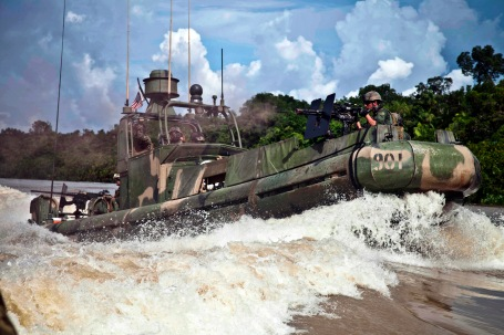 Riverine patrol boat in Colombia ((U.S. Army photo by Spc. Juancarlos