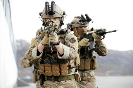 Two members of the Norwegian Naval Special Operations Command.  (Photo by Torbjørn Kjosvold, Norwegian Armed Forces)