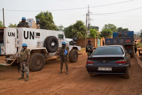 U.N. peacekeepers and Central African Republic National Police conduct a joint operation in the capital Bangui. Photo: UN/MINUSCA/Nektarios Markogiannis