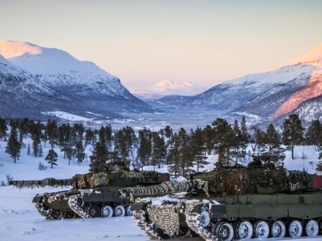 Norwegian tanks Cold Response 2016