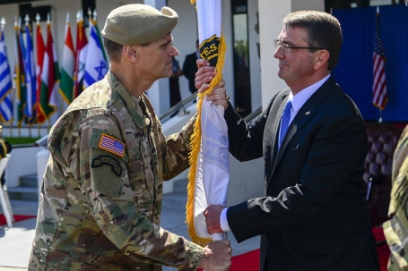 Votel relinquishes command of USSOCOM