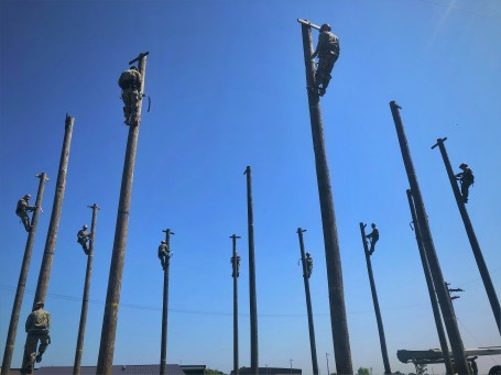 NCTC Gulfport Prepares Seabees to Work on Utility Poles